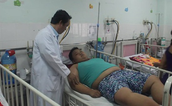 Cứu sống bệnh nhi nặng 130kg bị sốt xuất huyết