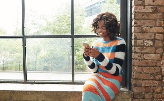 Làm sao để mặc áo len mà không bị nhàm chán?