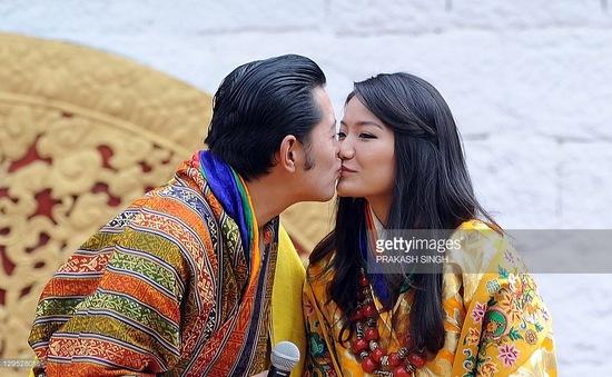 Người dân Bhutan tôn sùng hạnh phúc của gia đình hoàng gia
