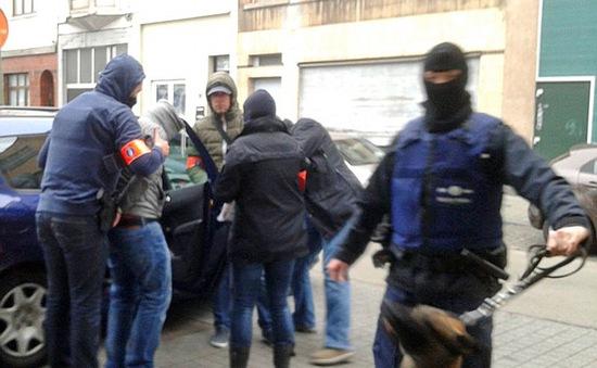 Bỉ bắt giữ thêm 2 nghi can trong vụ khủng bố ở Pháp