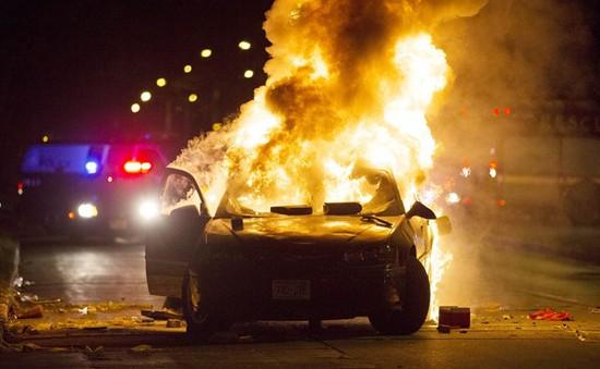 Biểu tình phản đối cảnh sát bùng phát thành bạo lực ở Milwaukee, Mỹ