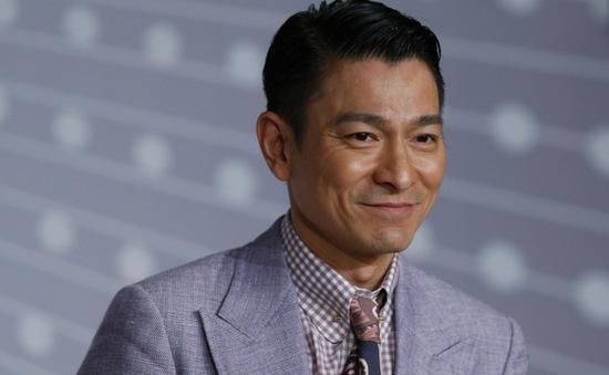 Lưu Đức Hoa mập mờ chuyện có thêm con ở tuổi 55