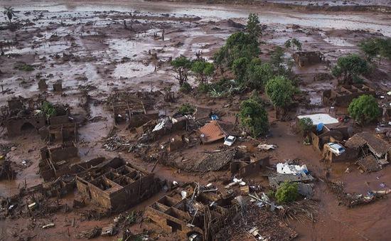 Vỡ đập chứa bùn thải, một công ty của Brazil phải bồi thường 6.2 tỷ USD