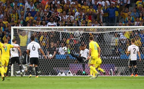 VIDEO EURO 2016: Pha cứu thua trên vạch vôi ngoạn mục của Jerome Boateng