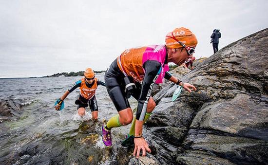 Sôi động cuộc thi bơi và chạy ở Thuỵ Điển