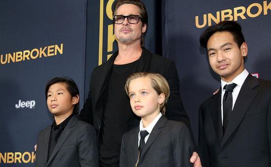 SỐC: Brad Pitt bị tố bạo hành các con