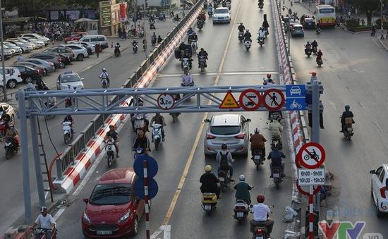 Bộ GTVT: Hà Nội có quyền cấm Uber, Grab taxi ở 11 tuyến phố nếu cần