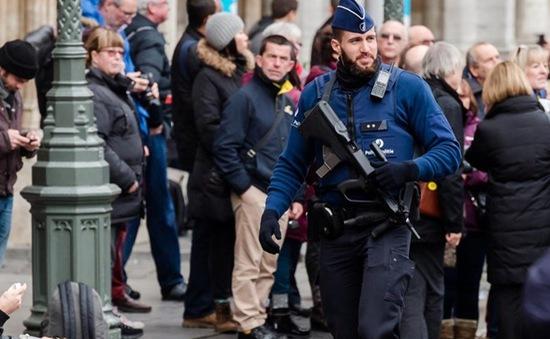 Bỉ công bố tên một kẻ đồng lõa mới trong vụ tấn công tại Paris