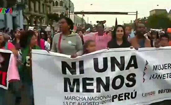 Biểu tình phản đối bạo hành phụ nữ tại Peru