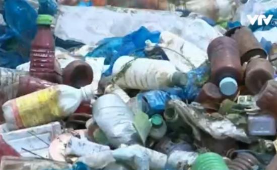 Phú Yên: Phát hiện vụ đổ hơn 10m3 vỏ chai thuốc BVTV