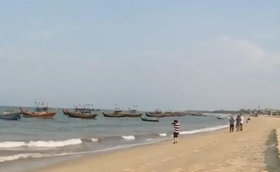 Xuất hiện vệt nước đỏ bất thường trên biển Hà Tĩnh