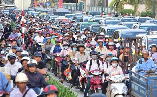 Hàng nghìn phương tiện kẹt cứng 2 giờ liền tại TP.HCM