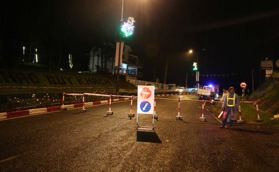 Lâm Đồng cấm các loại xe qua đèo Prenn vào ban đêm