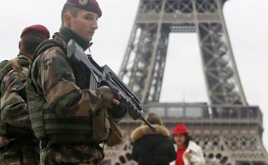 Pháp bắt giữ 4 nghi phạm khủng bố