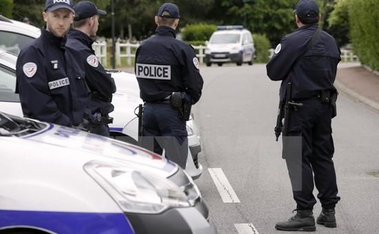Pháp hủy hàng loạt lễ hội mùa Hè do lo ngại khủng bố