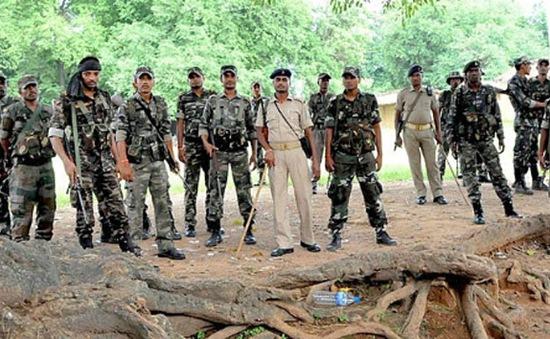 Phiến quân nổi loạn phục kích, 10 cảnh sát Ấn Độ thiệt mạng