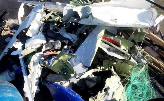 Ngư dân vớt hơn 130 mảnh vỡ nghi của Casa 212