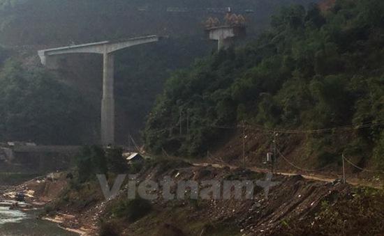 Tạm đình chỉ thi công cầu tại Thanh Hóa làm 4 người tử vong