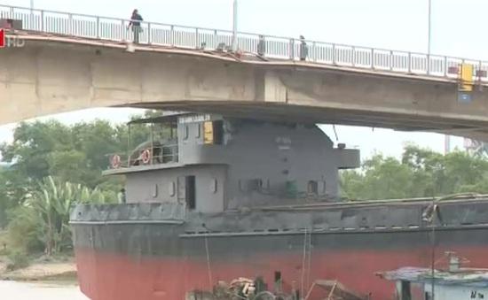 Sẽ cắt cabin tàu Thành Luân 28 và phá dầm cầu An Thái