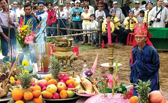 Độc đáo lễ hội Cầu Bông ở làng rau Trà Quế