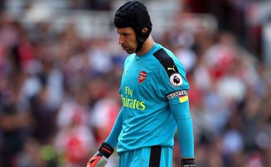 """""""Quá đen cho Petr Cech"""": Thủng lưới 4 bàn còn dính tai nạn ô tô"""