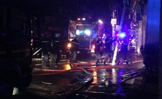 Cháy nhà 3 tầng tại TP.HCM