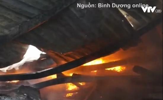 Bình Dương: Cháy nhà kho cạnh trường mầm non, 200 học sinh thoát nạn