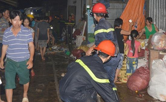 Quảng Nam: Cháy lớn ở kho hàng chợ Phú Thuận