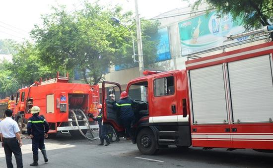 TP HCM: Cháy siêu thị Co.opmart, nhiều người bị mắc kẹt