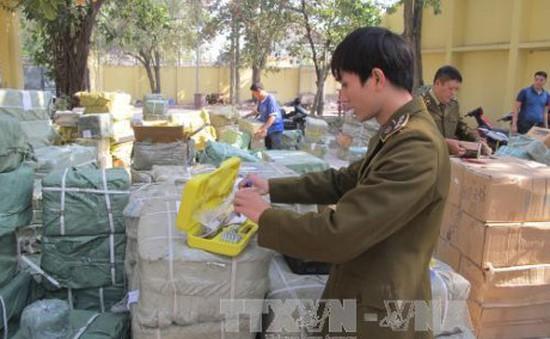 Hà Nội: Phát hiện các vụ vận chuyển hàng hóa nghi nhập lậu
