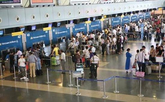Không tìm thấy điện thoại, hành khách tát nữ tiếp viên hàng không