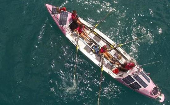Bốn phụ nữ Anh lập kỳ tích chèo thuyền vượt Thái Bình Dương