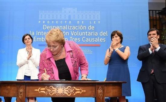 Chile nới lỏng lệnh cấm phá thai