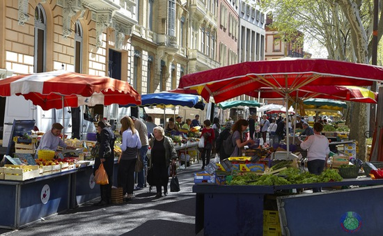 Khu chợ truyền thống ở Toulouse