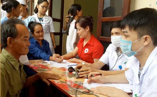TP.HCM: Khám sức khỏe đợt 2 cho người dân bãi rác Đông Thạnh