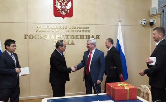Chủ tịch Nguyễn Thiện Nhân gặp lãnh đạo các cơ quan chính quyền Liên bang Nga