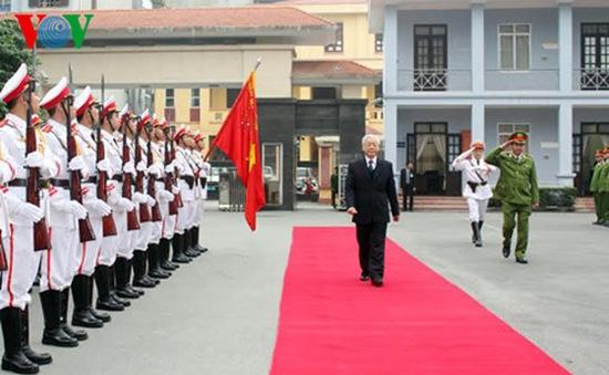 Tổng Bí thư Nguyễn Phú Trọng kiểm tra công tác Bộ Tư lệnh Cảnh sát Cơ động
