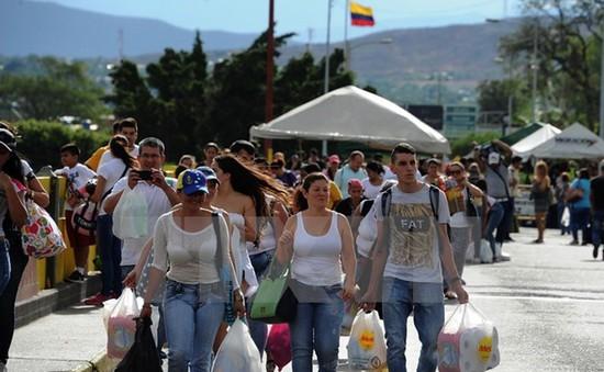 Colombia ngừng mở cửa biên giới với Venezuela