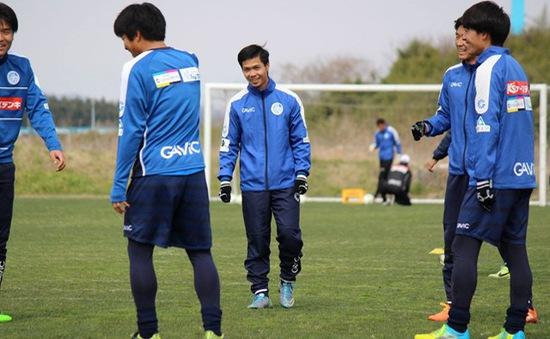 Công Phượng tập luyện cùng các đồng đội Nhật Bản