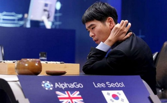 """Nhà vô địch cờ vây chịu thua AlphaGo ở """"trận đấu thế kỷ"""""""