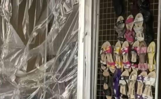 Cuộc sống sau khung cửa sổ nhựa tại Syria