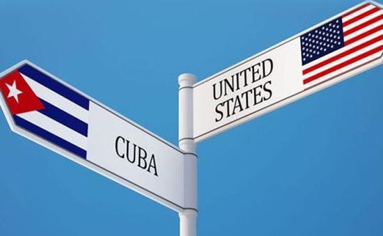 Cuba đón nhận bưu kiện đầu tiên từ Mỹ
