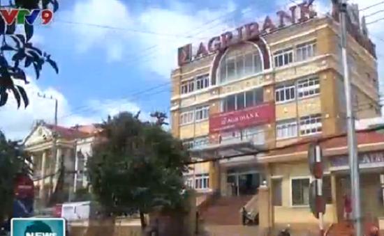 Bình Phước: Đánh người, giật 350 triệu đồng trước cửa ngân hàng