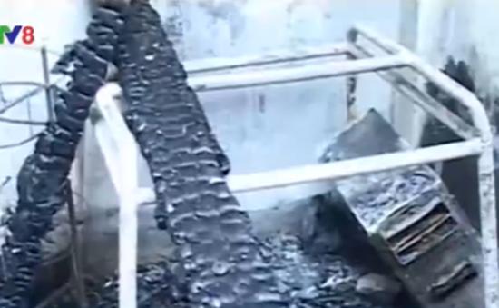 Chập điện, nhà nội trú của học sinh bị cháy rụi