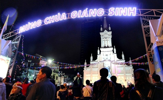 Nhộn nhịp không khí Giáng sinh an lành tại một số địa phương