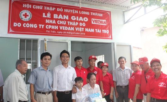 Trao tặng 25 nhà tình thương cho các hộ nghèo tại 4 tỉnh