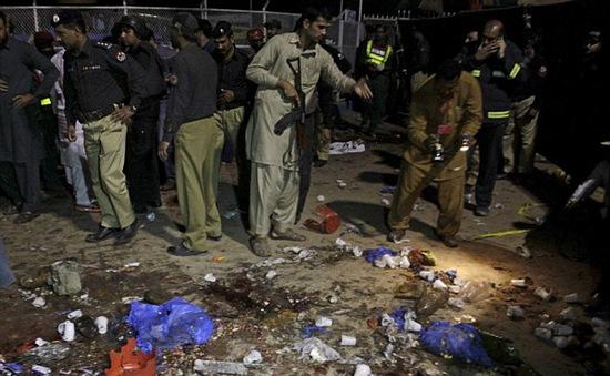 Quốc tế lên án vụ đánh bom liều chết ở Pakistan
