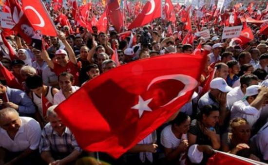 Thổ Nhĩ Kỳ bị tố tra tấn hàng nghìn binh sỹ sau đảo chính