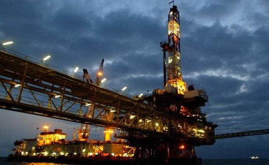 Giá dầu thô Brent xuống dưới 30 USD/thùng