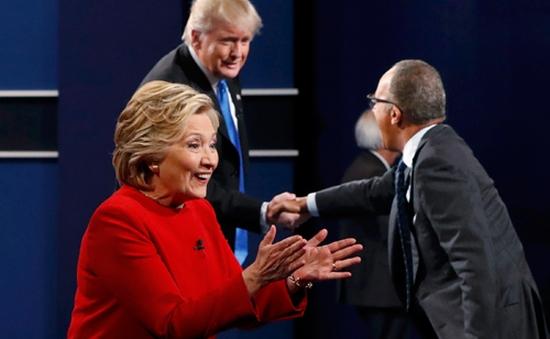Ông Trump chỉ trích người cầm trịch cuộc tranh luận thiên vị